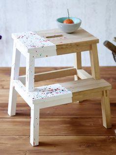 5 einfache DIY-Ideen für Beistelltische Side tables are much more than just practical shelves. Painted Chairs, Painted Furniture, Indian Home Decor, Diy Home Decor, Furniture Makeover, Diy Furniture, Ikea Stool, Ikea Footstool, Diy Esstisch