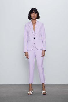 High-waisted pants with elastic waistband. Black Blazers, Blazers For Women, Women's Blazers, Casual Blazer, Casual Wear, Zara Suits, Masculine Style, Professional Wardrobe, Cuffed Pants