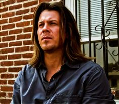 screen cap from Leverage ..This is  #ChristianKane  actor, singer, songwriter, stuntman, cook!