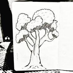 14/31 - Árvore: Uma coisa que sempre foi muito difícil pra mim, e vendo meus desenhos anteriores estou orgulhosa do atual 😊  #inktober #instart #inktober2016 #nankin #unipin #fineline #octuber #outubro #partiuevoluir #aprentendo #treinando #desenho #arteportodaparte #desenhando #draw #drawing #onedrawingaday #onesketchaday #sketch #sketchday  #arte #art #illustration #nature #arvore #tree