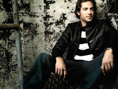 Zachary Levi...hell yeah nerds can be sexy too!!!
