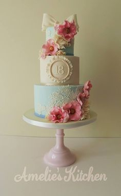 23 Elegant Picture of Vintage Birthday Cakes . Vintage Birthday Cakes I Would Absolutely Love A Cake Like This For One Of My Milestone Gorgeous Cakes, Pretty Cakes, Vintage Birthday Cakes, Cake Birthday, 16th Birthday, Happy Birthday, Debut Cake, 18th Cake, Occasion Cakes