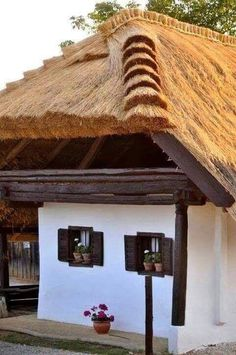 Rural House, Self Catering Cottages, Thatched Roof, Natural Building, Dream House Plans, Traditional House, Country Living, Interior And Exterior, Countryside