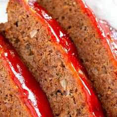 The Best Classic Meatloaf - Best meatloaf recipe ever! Traditional meatloaf just like mom used to make with ground beef and a ketchup based glaze topping. Classic Meatloaf Recipe, Good Meatloaf Recipe, Best Meatloaf, Turkey Meatloaf, Mexican Meatloaf, Italian Meatloaf, Meatloaf Recipe 1lb Ground Beef, Meatloaf With Tomato Sauce, Homemade Meatloaf