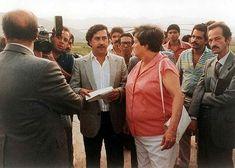 Pablo Emilio Escobar, Pablo Escobar, Mafia, Icons, Couple Photos, Couples, Character, Weapons Guns, Poster