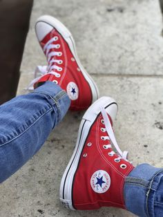 Converse All Star up for grabs 🌟 Red High Top Converse, Red Converse Outfit, Red Chucks, Converse All Star, Red Converse Mens, Converse Fashion, Converse Style, Red Shoes, Sock Shoes