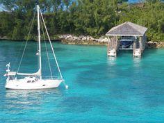 Private marina? Hospitality in #Caribbean is one of the best locals' values ! #YachtcharterKaribik #YachtcharterBahamas