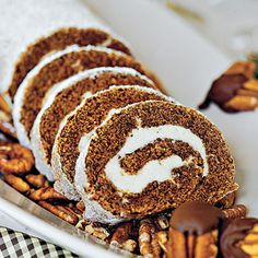 Pumpkin Roll  #Thanksgiving Dessert Recipes