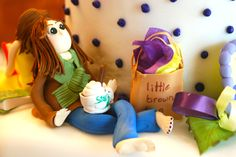 Gumpaste girl with her coffee and shopping bag #gumpaste figure # fondant girl