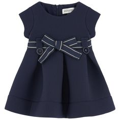 Toddler Dresses are available in a variety of patterns, dimensions and locate modern-day patterns according to your needs. Toddler Fashion, Kids Fashion, African Fashion, Toddler Girl Dresses, Girls Dresses, Toddler School Uniforms, Cotton Frocks, Moda Kids, Baby Suit