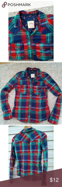 Hollister  woman's Plaid  shirt Hollister Button down plaid shirt  super soft fabric ,curved hem and pocket two pockets on chest Bust 34 inches Hollister  Tops Button Down Shirts