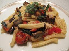 Casarecce pesce spada e melanzane. Scopri ricetta: http://www.misya.info/2010/08/05/casarecce-pesce-spada-e-melanzane.htm