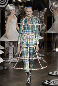 Thom Browne, Spring 2013 ... Yeah, cuz this this makes sense ... there's 'art' n then there's THIS :/