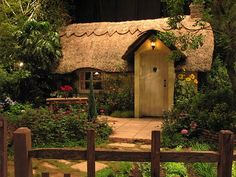 Little thatched backyard cottage / retreat.I'm not sure if this is a miniature, or a real very small cottage. Either way it's perfect. Little Cottages, Cabins And Cottages, Little Houses, Small Cottages, Small Houses, Cute Cottage, Cottage In The Woods, Cottage Style, Modern Cottage