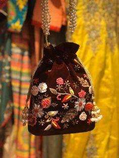Crochet Socks Tutorial, Embroidery Purse, Bridal Handbags, Bridesmaid Bags, Potli Bags, Ethnic Bag, Wedding Purse, Bridal Clutch, Beaded Bags