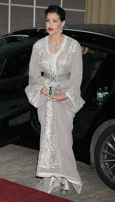 Lalla Meriam, sister of King Mohamed VI, is wearing a beautifully embroidered t'kchita with sfifa trim (km)