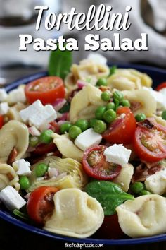This Tortellini Pasta Salad is addictive. It's so easy to make and so good the next day! Recipes to try Best Pasta Recipes, Easy Healthy Recipes, Easy Meals, Diet Recipes, Chickpea Recipes, Party Recipes, Pudding Recipes, Sausage Recipes, Healthy Salads