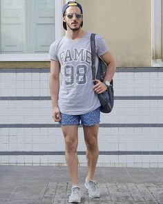Tarde!  #lookdodia não consigo por calça no verão, só se a ocasião realmente não me permitir shorts, caso contrário prefiro ficar mais confortável!  - www.rodrigoperek.com #outfit #fashionmen #ootd #converse #curitiba