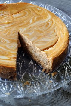 Swirled Pumpkin Cheesecake with Gingersnap Crust-for my family-for Thanksgiving Just Desserts, Delicious Desserts, Dessert Recipes, Yummy Food, Pumpkin Recipes, Fall Recipes, Holiday Recipes, Summer Recipes, Pumpkin Swirl Cheesecake