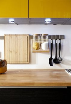 Clear countertops are the fastest way to an organised kitchen