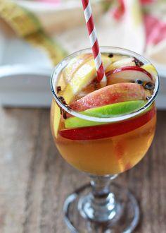 5 Festive Fall Sangria Recipes - Spiced Apple Cider Sangria