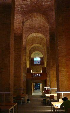 Biblioteca Universitat Pompeu Fabra, Barcelona