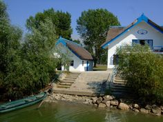 delta dunarii peisaje - Google Search Danube Delta, Danube River, Lone Wolf, Places To Visit, Country, Google Search, House Styles, Nature, Romania