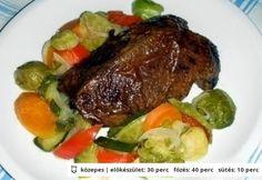 Vadkacsamell fehérboros zöldségkörettel Steak, Food And Drink, Dishes, Chicken, Recipes, Tablewares, Recipies, Steaks, Ripped Recipes
