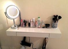 Posts about Vanity Table written by Nathalia Best Vanity Mirror, Diy Vanity Mirror With Lights, Cool Mirrors, Floating Drawer, Floating Shelves Diy, Bathroom Vanity Organization, Hollywood Vanity, Vanity Shelves, Diy Makeup Vanity