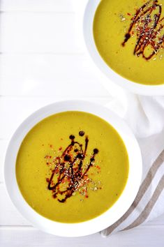 Super creamy, warming and satisfying pea soup. Oil-free, low-fat and vegan. #peasoup #peas #soup #vegan #plantbased | thebrightbird.com Plant Based Recipes, My Recipes, Potato Vegetable, Balsamic Dressing, Vegan Nutrition, Pea Soup, Vegan Soups, Vegan Dinners, Vegan Desserts