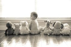 Cute ideas for baby pictures This is an adorable baby picture idea! cute kids These cute kids definitely are explorers at heart! Photo Bb, Foto Picture, Jolie Photo, Baby Pictures, Baby Photos, Family Photos, Cute Pictures, Kid Photos, Children Photography
