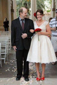 Short lace wedding dress/summer beach wedding gown/cheap plus size wedding dresses/knee length lace dress