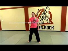 Tutorial for a front spin with a bo staff Bow Staff, Marshal Arts, Stick Fight, Staff Training, Hapkido, Krav Maga, Taekwondo, Excercise, Kung Fu