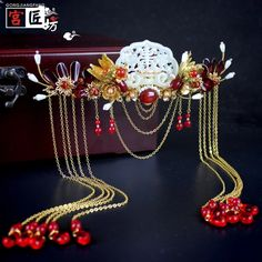Pure copper jade jade costume headdress bridal jewelry COS accessories Hanfu Chinese wedding wedding hi. Chinese Traditional Costume, Traditional Fashion, Hair Jewelry, Bridal Jewelry, Fashion Jewelry, Jewellery, Bridal Headdress, Headpiece, Asian Hair Accessories