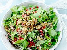 Salat mit Nüssen und Granatapfel |
