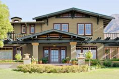 Exterior paint color scheme of this Craftsman home design - from Benjamin Moore Bungalow Exterior, Craftsman Exterior, Craftsman Style Homes, Craftsman Bungalows, Craftsman Houses, Exterior Trim, Craftsman Porch, Exterior Windows, Exterior Houses