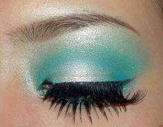 This looks like a mermaid's makeup