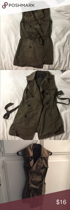 Army green utility vest in small Chic army green utility vest in a size small very versatile good for winter and summer nights out and dressed down love tree Jackets & Coats Vests