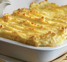 Try something different on your AGA heat-storage cooker with our recipe ideas - Luxury Fish Pie . View our AGA recipes & cook with your AGA cooker today. Aga Recipes, Cooking Recipes, Healthy Recipes, Savoury Recipes, Luxury Fish Pie, Cheap Rice Cooker, Range Cooker, Food To Make, Main Courses