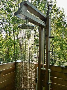 Ducha al aire libre - How to Build Outdoor Shower Outdoor Tub, Outdoor Baths, Outdoor Bathrooms, Rustic Outdoor, Outdoor Spaces, Outdoor Living, Outside Showers, Outdoor Showers, Garden Shower