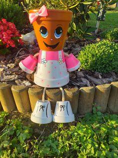 Flower Pot Art, Clay Flower Pots, Flower Pot Crafts, Clay Pots, Clay Pot Projects, Clay Pot Crafts, Diy And Crafts, Arts And Crafts, Flower Pot People