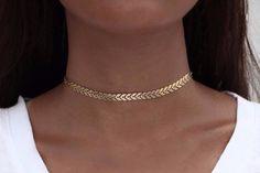 Sirene Minimal Sequin Curb Chain Necklace Choker