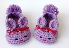Free bunny slippers tutorial.  Pattern free at Not your Nana's Crochet. This blog is all about crochet. Free pattern, tutorial and diy crochet. Tips learning crochet for newbie. Blog tentang rajutan dan merajut.