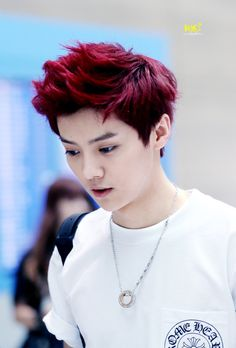 Luhan - the guy who looks gorgeous in any hair color