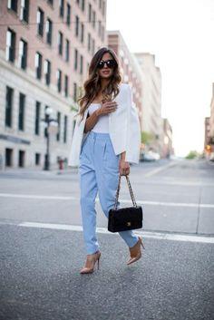 Cómo Llevar un Blazer con Estilo (2019) Baby Blue Pants, Blue Blazer Outfit, Look Blazer, Light Blue Pants, Blazer Outfits, Semi Formal Outfits, Cute Casual Outfits, Look Fashion, Fashion Outfits