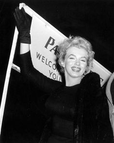 """Marilyn Monroe leaving England after the completion of """"The Prince And The Showgirl"""", 1956."""