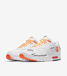 Nike Kampagne Nike Air Max 1 Just Do It White grailify Nike Air Max, Air Max 1, New Nike Air, Ankle Sneakers, Air Max Sneakers, Sneakers Nike, Latest Sneakers, Only Shoes, Nike Shoes Outlet