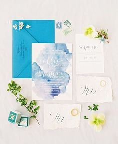 Absolutely in love with Callie's bold blue invitation suite! Photo by @beccaleaphoto #lindseybrunkweddings