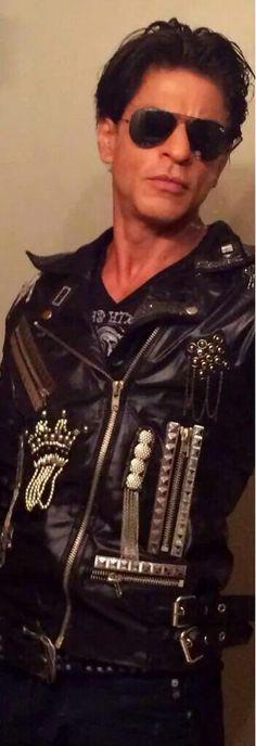 SRK on SLAM TOUR,  slamming it in his biker jacket!