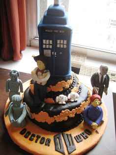 Doctor Who Cake - I think for my birthday next year, in honor of the 50th anniversary, I might need to have a doctor who themed party!